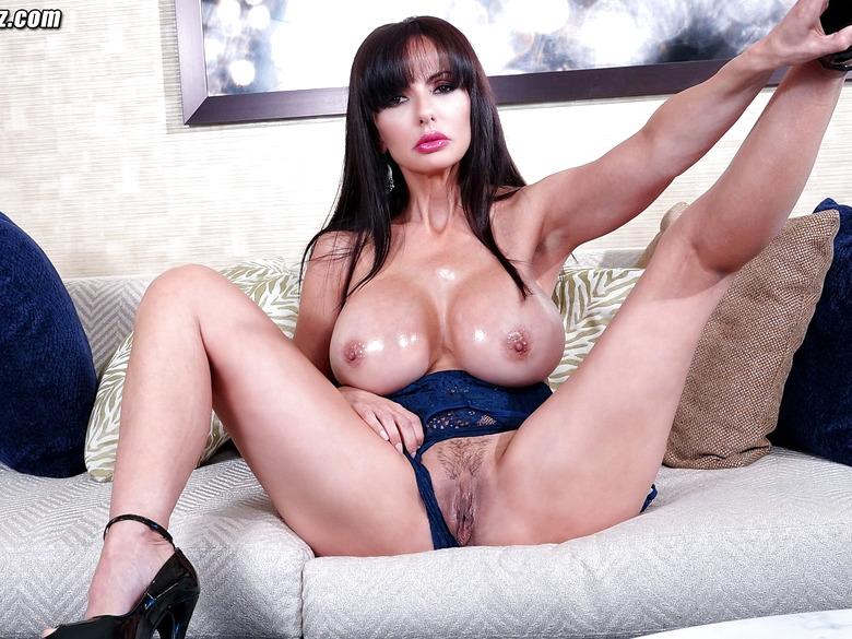Catalina Cruz Sexy Posing Her Naked Body